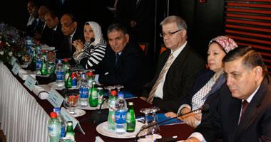 الدكتور أشرف شعلان رئيس المركز القومى للبحوث أثناء الاجتماع