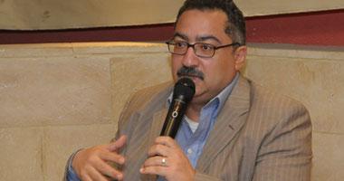 """قاضى محاكمة القرن لـ""""إبراهيم عيسى"""": أنت نزلت مظاهرات ليه"""