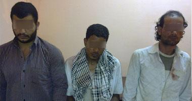 القبض على 3 بلطجية بالدقهلية حاولوا سرقة سيارة بالإكراه