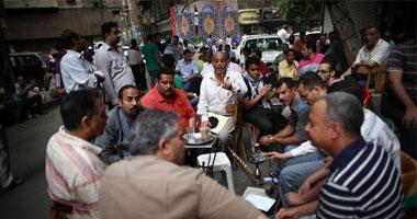 الأسوشيتد برس: المصريون سيعرفون النوم مبكرا بعد قرار إغلاق المحال
