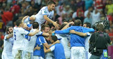 فرحة المنتخب اليونانى بالصعود