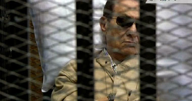 والدة أول شهيد فى الثورة بالسويس: راضية بالحكم على مبارك s620122104934.jpg