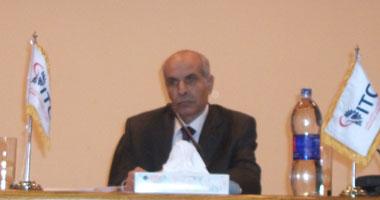 محمود عيسى وزير الصناعة والتجارة الخارجية