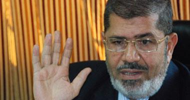 مرسى يجتمع برئيس المخابرات العامة فى القصر الجمهورى S620122420588