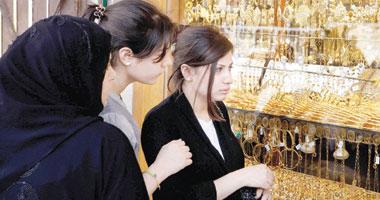 أسعار الذهب تتراجع 6 جنيهات وعيار 21 يسجل 776 جنيها للجرام