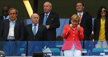 المستشارة الألمانية ميركل تتوقع فوز منتخب بلادها بكأس العالم