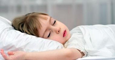 فيديو معلوماتى.. أطعمة هتساعدك.. لو عاوزة تنظمى نوم ولادك قبل الدراسة