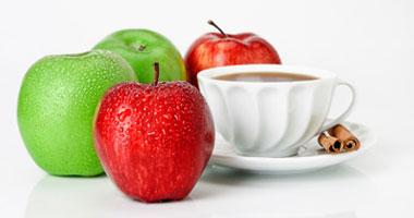 التفاح والقهوة للتخلص رائحة الثوم