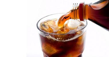 تناول المشروبات الغازية لمدة أسبوعين يعرضك لأمراض القلب والأوعية الدموية