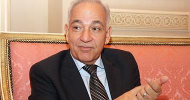 سفير السابق بإسرائيل تنتظر وصاية