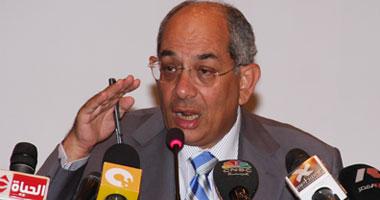 الدكتور يوسف بطرس غالى وزير المالية