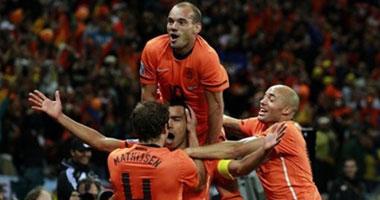 هولندا تعبر أوروجواى لنهائى المونديال
