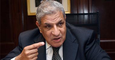 """""""محلب"""" يتوجه لمطار القاهرة لاستقبال ولى عهد أبو ظبى"""
