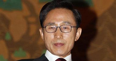 استجواب رئيس كوريا الجنوبية السابق لى ميونج باك فى اتهامات فساد (صور)