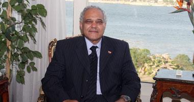الدكتور حسين العطفى وزير الموارد المائية