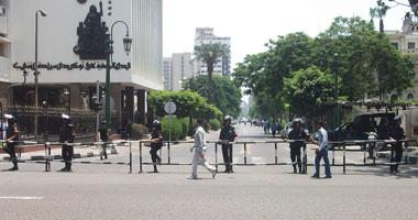 """عمال """"سيمو"""" للورق يتظاهرون أمام """"الوزراء"""" للتنديد بقطع الغاز"""