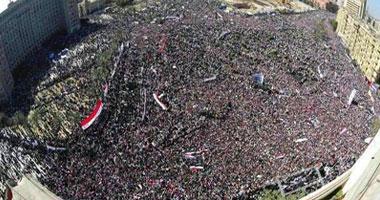 """معتصمو التحرير يرحبون بمشاركة الإخوان والسلفيين فى جمعة """"لم الشمل"""""""