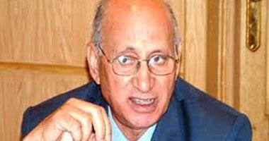 محمود شريف يعلن ترشحه لرئاسة
