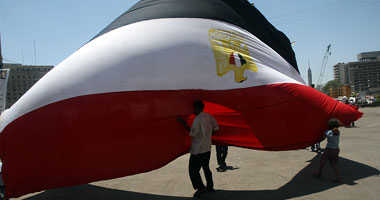 """متظاهرو التحرير يستعدون لجمعة """"لم الشمل"""" بالسعى لتوحيد المنصة"""