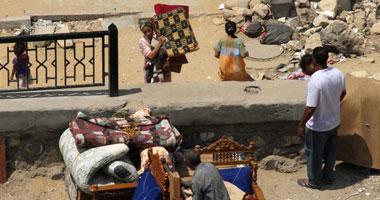 محافظ القاهرة تسكين 96 أسرة فى المساكن المعتدى عليها بالدويقة s720114151816.jpg