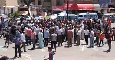 استمرار اعتصام المتظاهرين بالسويس وبلاغات جديدة ضد 46 ضابط شرطة s720115152154.jpg
