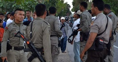 شرطة جاكرتا تطلق الغاز المسيل للدموع لتفريق محتجين