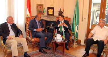 السيد البدوى خلال لقائه بالسفير الأردنى