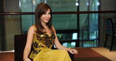 نانسى عجرم تصل القاهرة لإحياء حفلها الغنائى بالعين السخنة