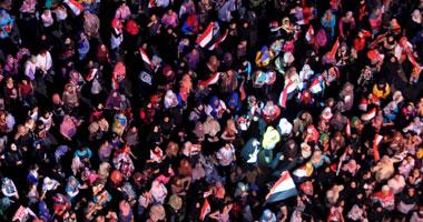 تزايد أعداد المتظاهرين بالتحرير استعداداً