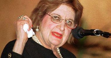 """وفاة أسطورة الصحافة الأمريكية هيلين توماس. . عرفت بخلافاتها المستمرة مع بوش. . ولم تغب عن الصف الأول فى مؤتمرات البيت الأبيض..ومن أشهر مقولاتها """"على الإسرائيليين مغادرة فلسطين فوراً.. وأشهر كتبها كلاب"""