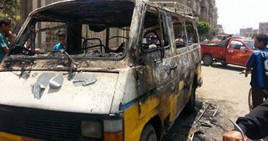 المعمل الجنائى يعد تقريره عن احتراق عدد من السيارات بجراج فيصل
