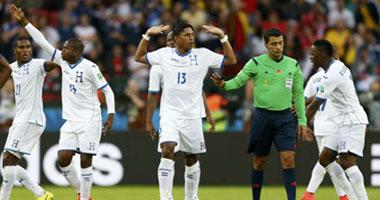 بالصور.. نقص خبرة البرازيلى ريكى كادت تفسد لقاء الجزائر أمام ألمانيا S7201412318