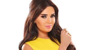 سيرين عبد النور تساعد فتاة مغتصبة على العودة لعائلتها