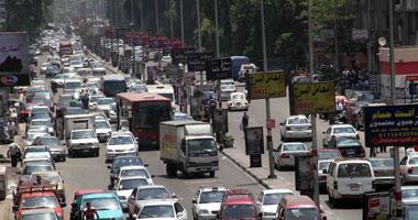 توقف حركة المرور بسبب تصادم سيارتين ملاكى أعلى كوبرى أكتوبر