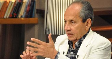 الإعلامى إبراهيم حجازى يتعرض لحادث بالدائرى وإصابته بكسر فى ساقه اليمنى