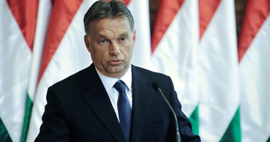 رئيس وزراء المجر يستقبل طائرة مساعدات طبية من الصين لمواجهة كورونا