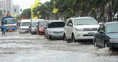 """وصول الإعصار الهائل """"مانكوت"""" لشمال الفلبين برياح سرعتها 200 كيلو متر"""