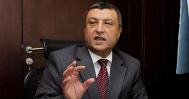 وزير البترول يدعو للتواصل المباشر بين العاملين وحل مشاكل العمل