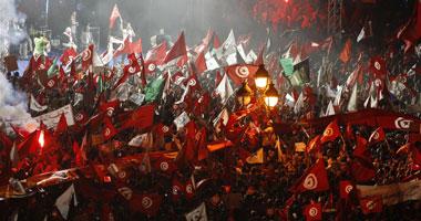 اشتباكات فى محافظة المهدية التونسية إثر إصابة شاب بطلق نارى فى فكه S8201346435