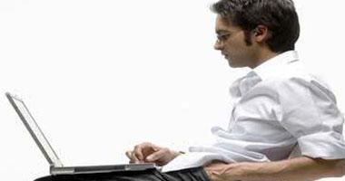 فيديو معلوماتى.. اعرف أضرار الجلوس لفترات طويلة على جسمك