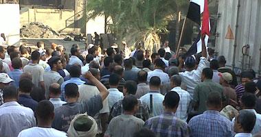 """إضراب عاملين بـ""""تعاون غزل المحلة"""" للمطالبة بمساواتهم بـ""""الغزل"""" S920111314469"""