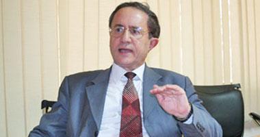 الغزالى حرب: إعلان مرسى الدستورى حالة من الجنون S9201129134754