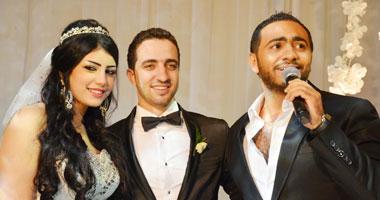 تامر حسنى يغنى فى حفل زفاف ياسر حسنى وإيمان عصام