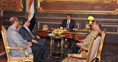 ياسر على: مرسى يلتقى وزير