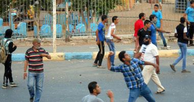 سقوط مصابين فى اشتباكات أمام محكمة الإسكندرية و القنصلية الأمريكية