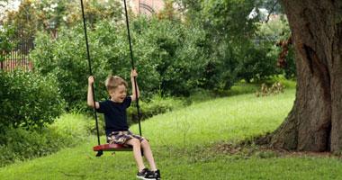 خطوات بسيطة لتصنع أرجوحة حديقة آمنة للأطفال