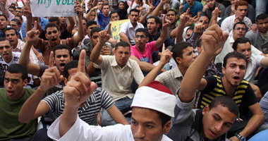 تظاهر طلاب الأزهر ضد الحرس الجامعى
