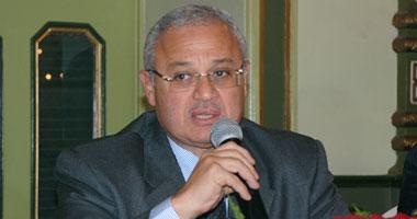 هشام زعزوع يعلن تجميد السياحة مع إيران لأسباب تتعلق بالأمن القومى