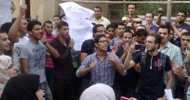 فشل مفاوضات الرئاسة مع طلاب الهندسة الزراعية المعتصمين أمام الاتحادية