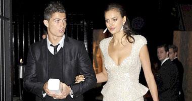 رونالدو يؤجل زفافه بسبب والدته